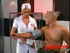 Brooke Haven -nurse Gives Hole Therapy