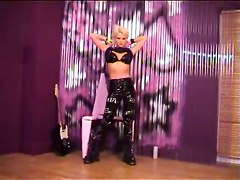 Joanne Guest Uncut - 06 - Rock Chick