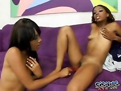 Sexy Ebony Lesbians Are Fucking Each Other Pussies With Dildo
