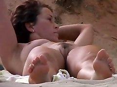 Bella Nudista In Spiaggia