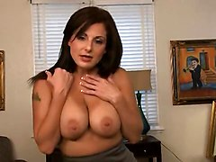 Very Hot Milf With Big Tits Doing A Perfect Titjob