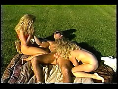 Victoria Paris Threesome
