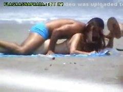 Flagrante Na Praia 1