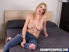 Dude Shoots His Cum Inside Slut Hole