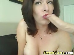 Slutty Horny Chick Pleasure Herself
