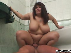 Her Fat Mom Is A Good Replace For Jerking In The Toilet