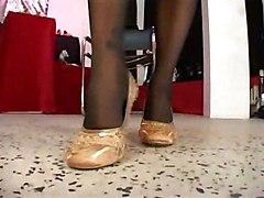 Lesbenfick Im Schuhgeschaeft