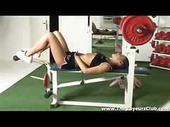 Voyeur Movie Of A Girl In The Weight Room